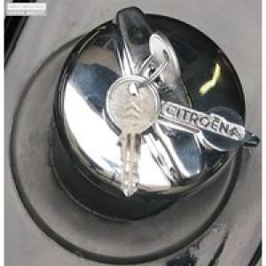 Bouchon de réservoir chromé à clé  avec Logo pour 2cv Dyane Méhari Ami diamètre 55 mm 2cv depuis 1954 Traction depuis Juillet 1952